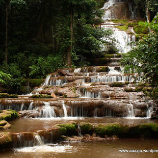 Nam Tok Pacharoen National Park waterval