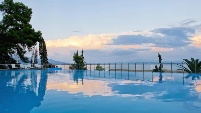 Kontokali Bay Resort & Spa - Zwembad Kontokali Bay Resort & Spa