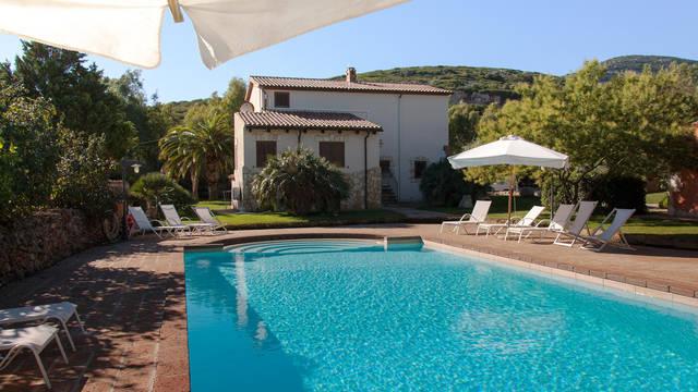 Zwembad Appartementen Monte Sixeri