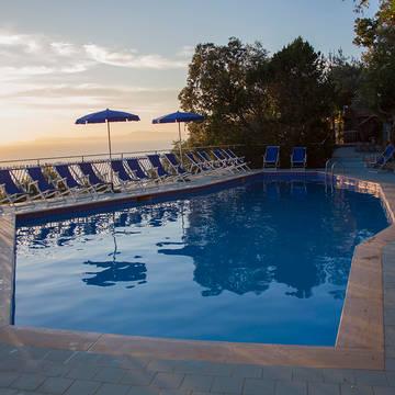 Zwembad Villaggio Baia Serena