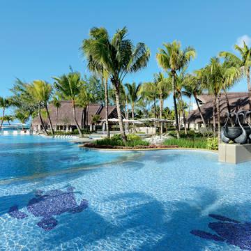 Zwembad Ambre Resort