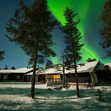 Muotkan Maja met noorderlicht