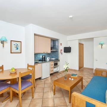 Kitchenette en woonkamer Aparthotel Oceanus