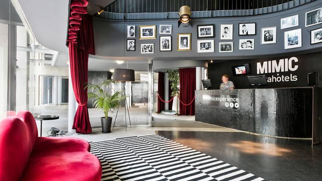 Lobby Hotel Acta Mimic
