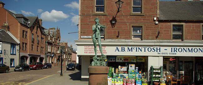 Kirriemuir standbeeld Peter Pan