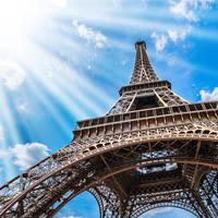 Eiffeltoren op ca. 17 minuten reizen met de metro van het hotel!