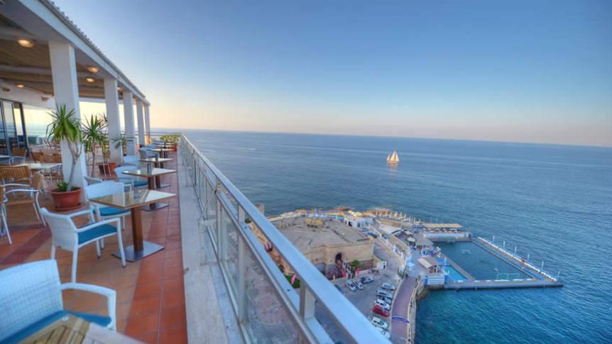 Uitzicht op de Beach Club Hotel Preluna