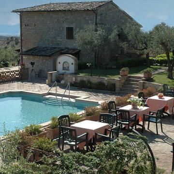 zwembad met accommodatie Tre Esse Country House