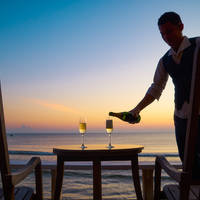 Let's Sea Hua Hin al Fresco Resort - Champagne service bij zonsondergang