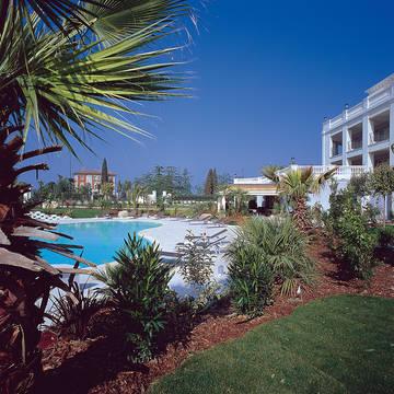 zwembad Hotel Palace