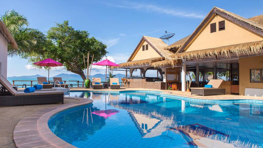 Zwembad Adarin Beach Resort