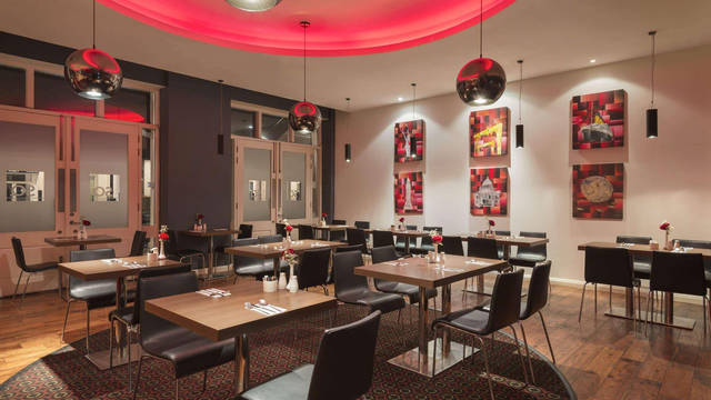 Restaurant Hotel Ramada by Wyndham Belfast City Centre