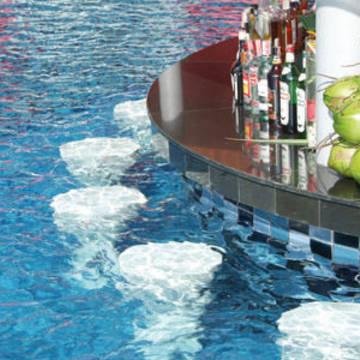 Poolbar Red Ginger Chic Resort