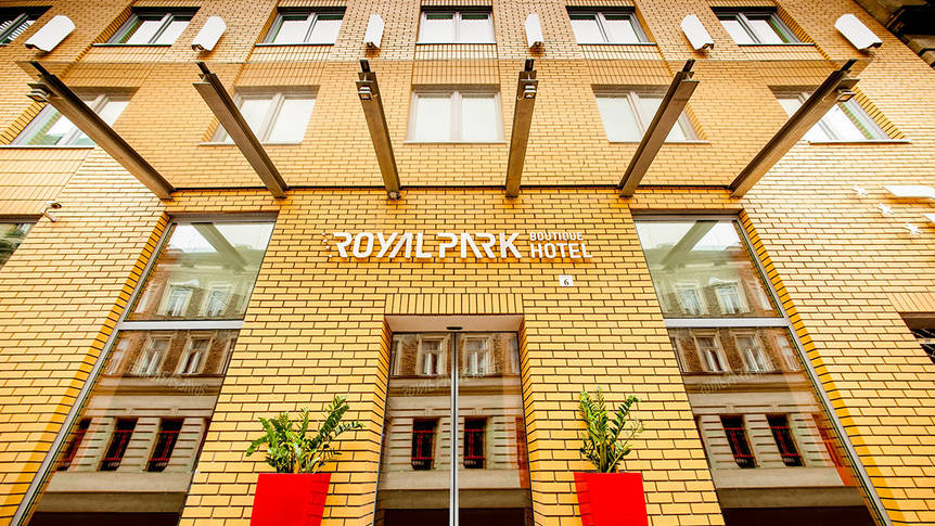 Voorzijde Hotel Royal Park