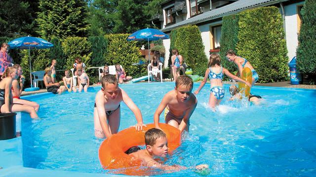 Zwembad Vakantiepark Felsenhof