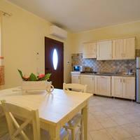 sala-angolo-cottura-2-appartamento-9-pax