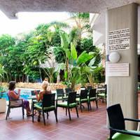 Jardin_piscina_playa-hotel-roc-lago-rojo
