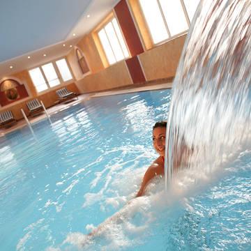 Overdekt zwembad Bellevue Rheinhotel