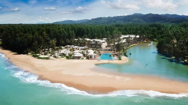 Overzicht Devasom Khao Lak Beach Resort & Villas