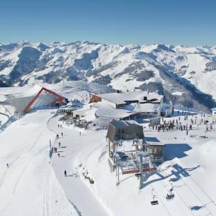 2_Blick-auf-das-Skigebiet-der-Superlative