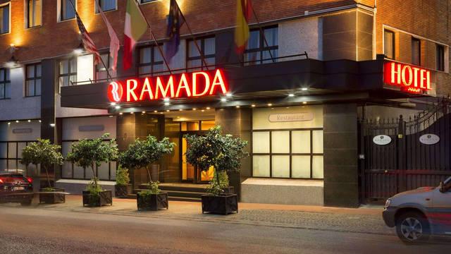 Exterieur Hotel Ramada Naples