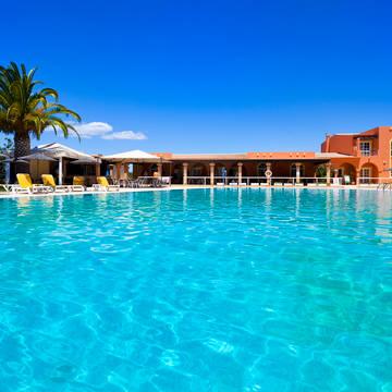 Zwembad Appartementen Colina Village