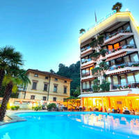 Hotel Delfino - zwembad