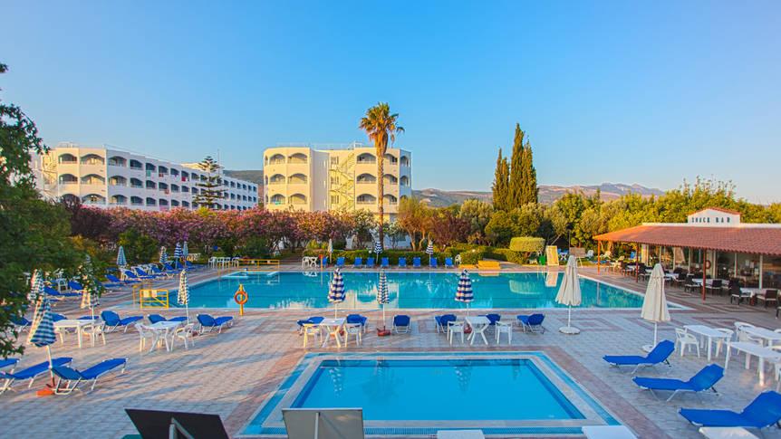 Zwembad Hotel Continental Palace