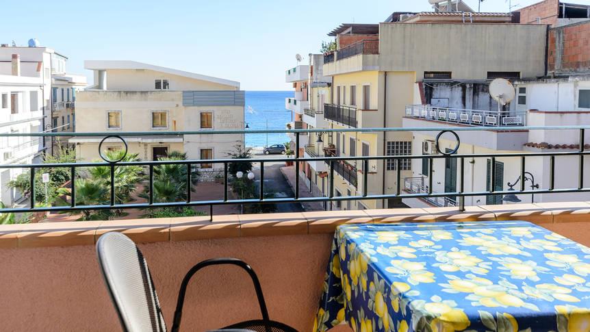 Voorbeeld balkon Residence Le Tartarughe Mare
