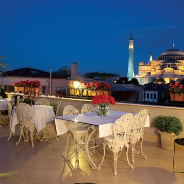 Dakterras Hotel Celal Sultan