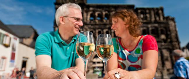 Genieten van een wijntje Porta Nigra