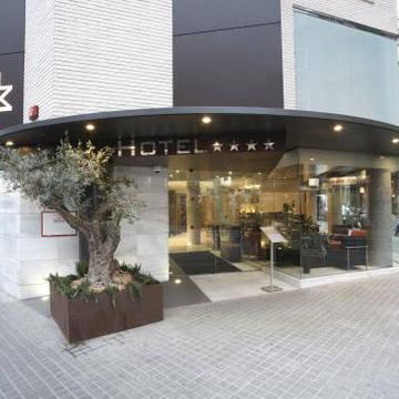Entree Hotel Madanis