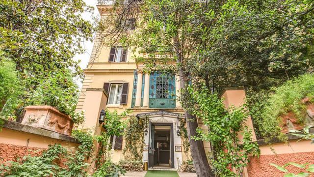 Aanzicht Hotel Rome Garden