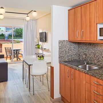 Keuken appartement Appartementen H10 Mediterranean Village