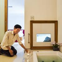 Let's Sea Hua Hin al Fresco Resort - Voorbeeld Badkamer Pool Acces Jacuzzi Suite