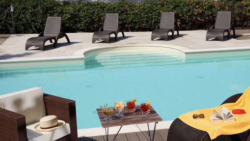 Villa Mercede zwembad Hotel Villa Mercede