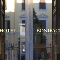 Entree hotel Bonifacio