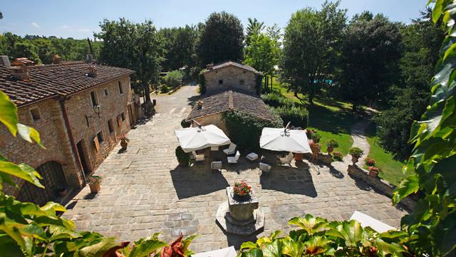 Bovenaanzicht Hotel Borgo San Luigi