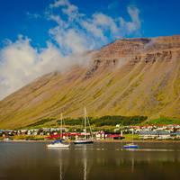 De Oostfjorden kust
