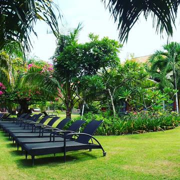 Tropische tuin Inna Bali Beach Garden