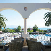 Roda Beach Resort & Spa - Terras