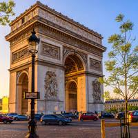 Arc de Triomphe & Champs-Élysées op ca. 30 minuten reizen met het ov!
