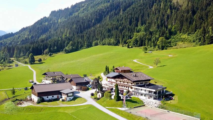 Voorzijde hotel Natur & Familienhotel der Stieglerhof