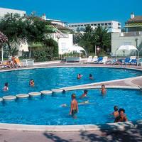 Zwembad bij appartementen