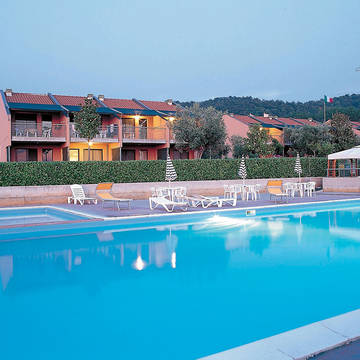accommodatie met zwembad Vakantiepark Le Tre Isole