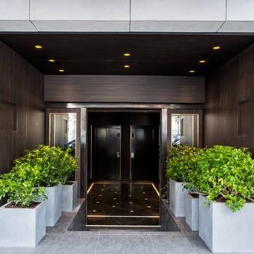Entree Hotel Le Parisis