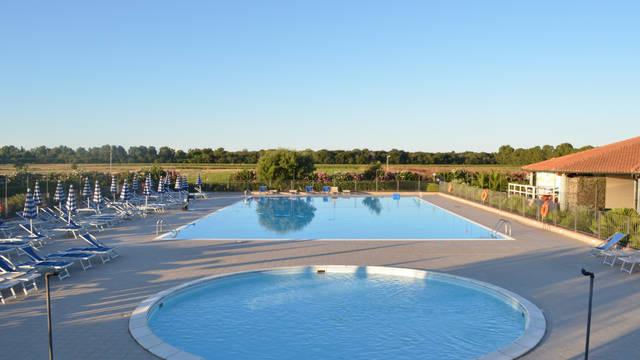 Zwembad 2 Vakantiepark Mare Verde