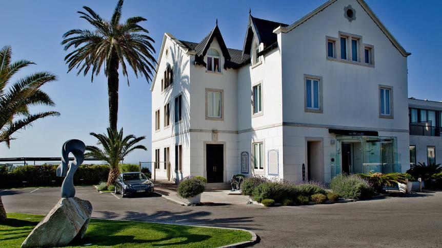 Vooraanzicht Farol Design Hotel
