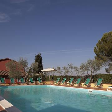 Zwembad Appartementen Villa Saulina