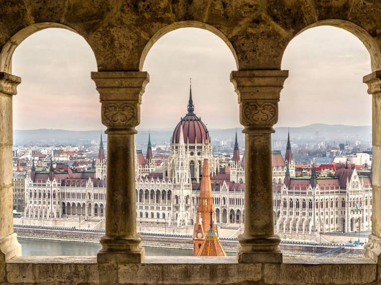 Budapest)